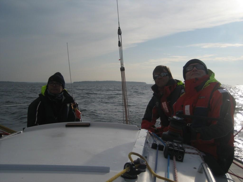 Risto, Pekka ja Jukka ajavat lenssiä Villingin ulkopuolella